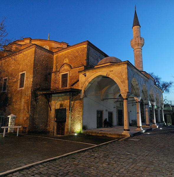 küyük ayasofya cami minaresi yikildi