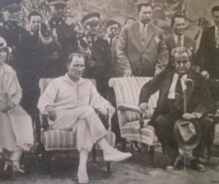 Yunus Nadi Kemal Atatürk cumhuriyet gazetesi karikatürleri