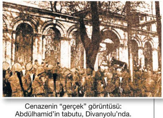Sultan Ikinci Abdülhamid'in cenaze töreni divanyolu